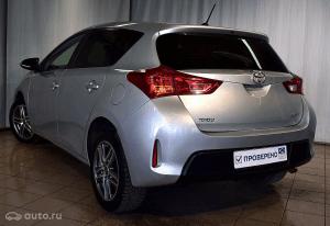 Toyota Auris второго поколения