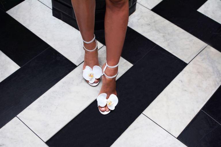 Нежные орхидеи на ваших ногах