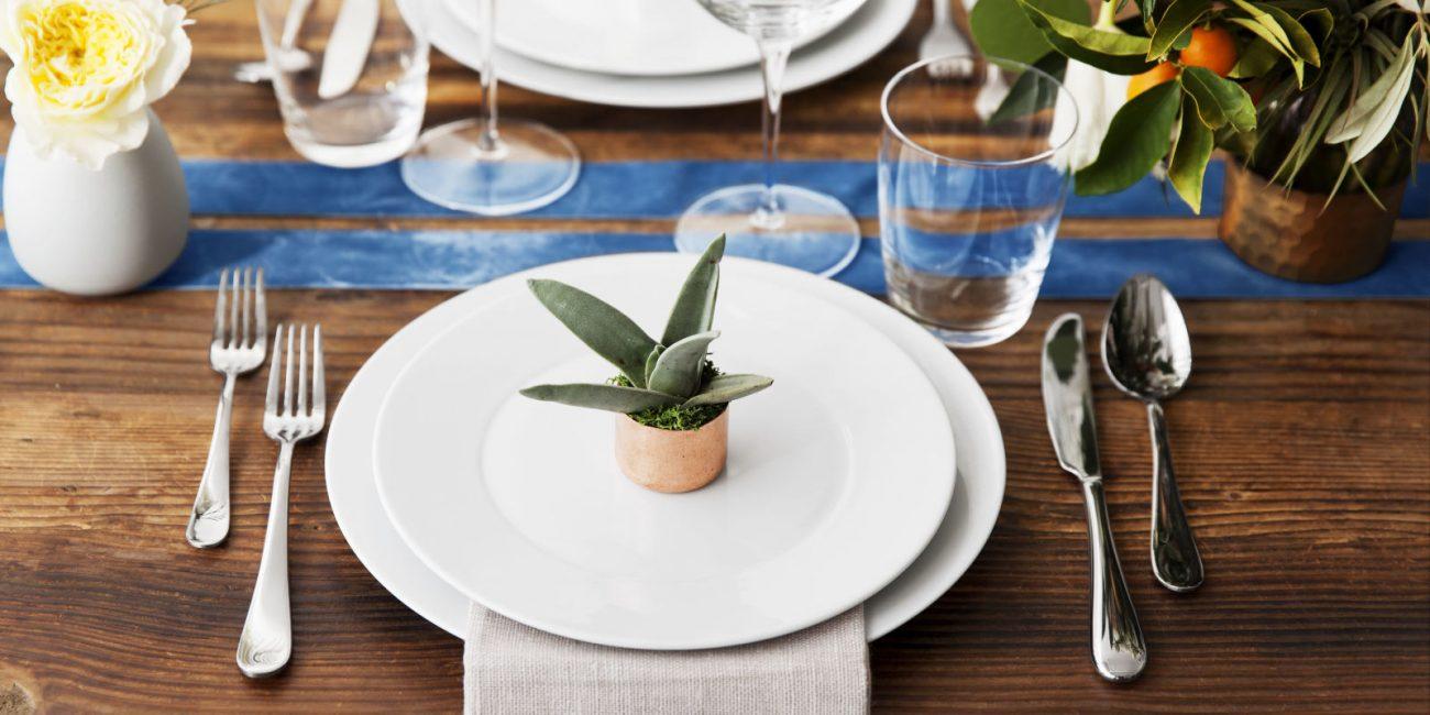 Оригинальный декор сервировки в виде растения