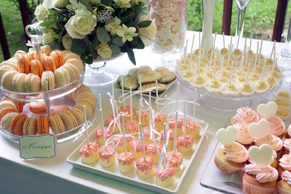Вариант сладких угощений на свадьбе