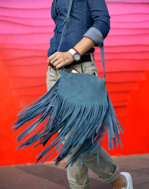 Два тренда в одном: полностью джинсовый образ+бахрома
