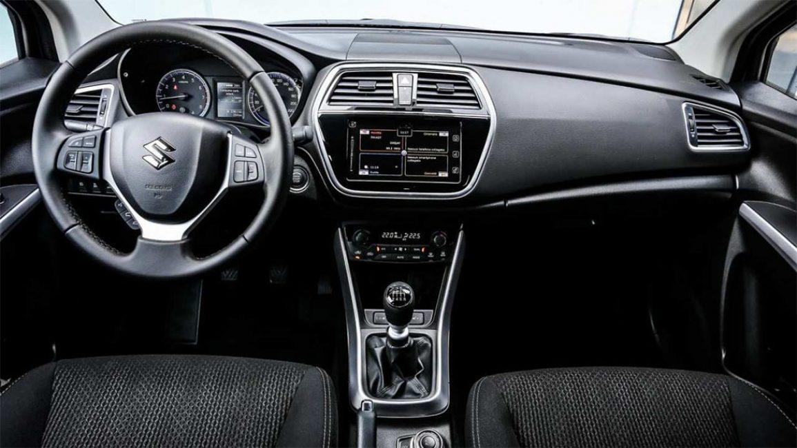 Передняя панель обновлённого Suzuki SX4