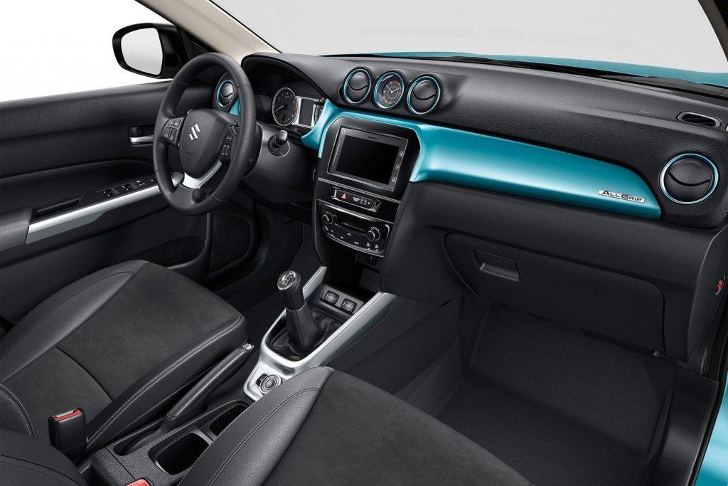 Передняя панель Suzuki Vitara текущей генерации