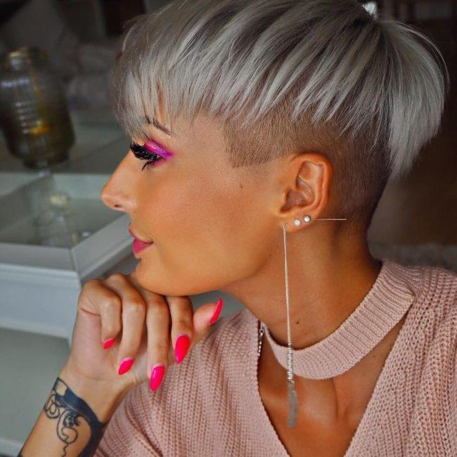 Сегодня высококлассными стилистами применяются необычные техники выстригания