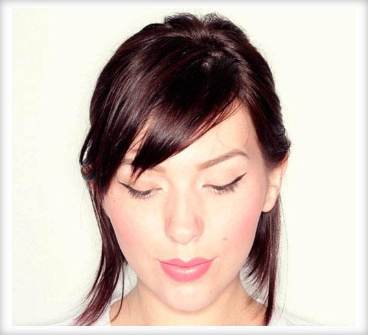 Соберите волосы на макушке