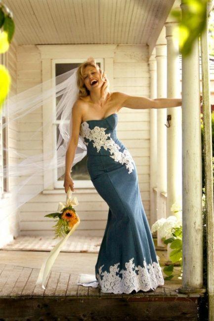 Джинсовое свадебное платье