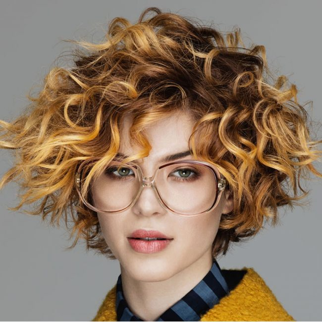 Модный оттенок волос 2018 – золотистый блонд