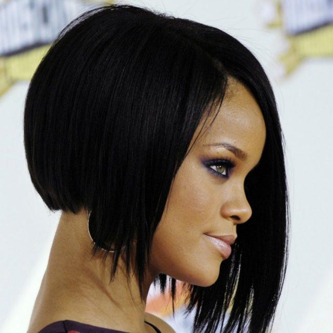 Стрижка «Клеопатры» на известной певице Rihanna 2018 год
