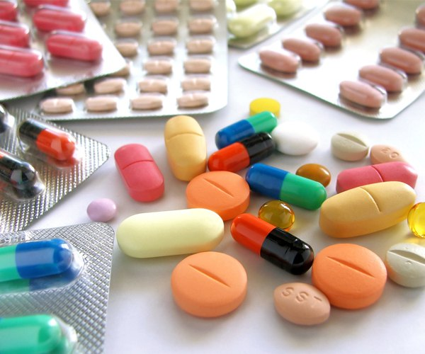 Подбирать лекарственные препараты для снижения уровня мочевины должен врач