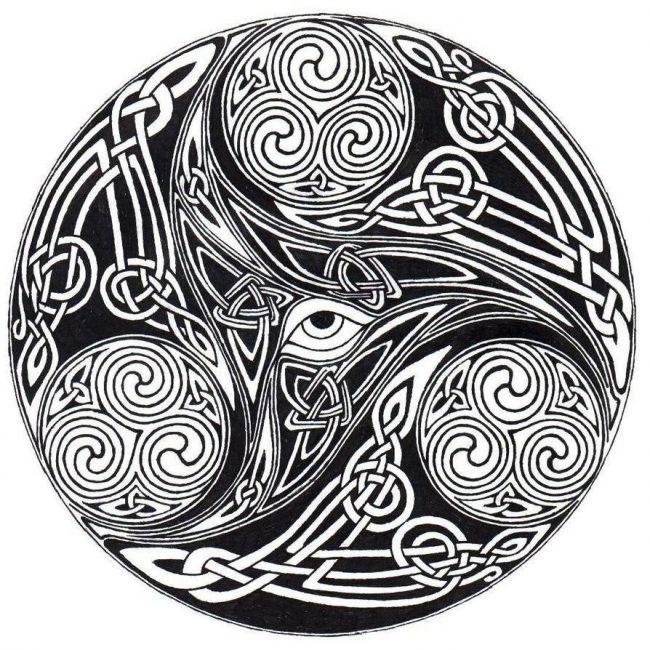 Татуировка кельтского медальона