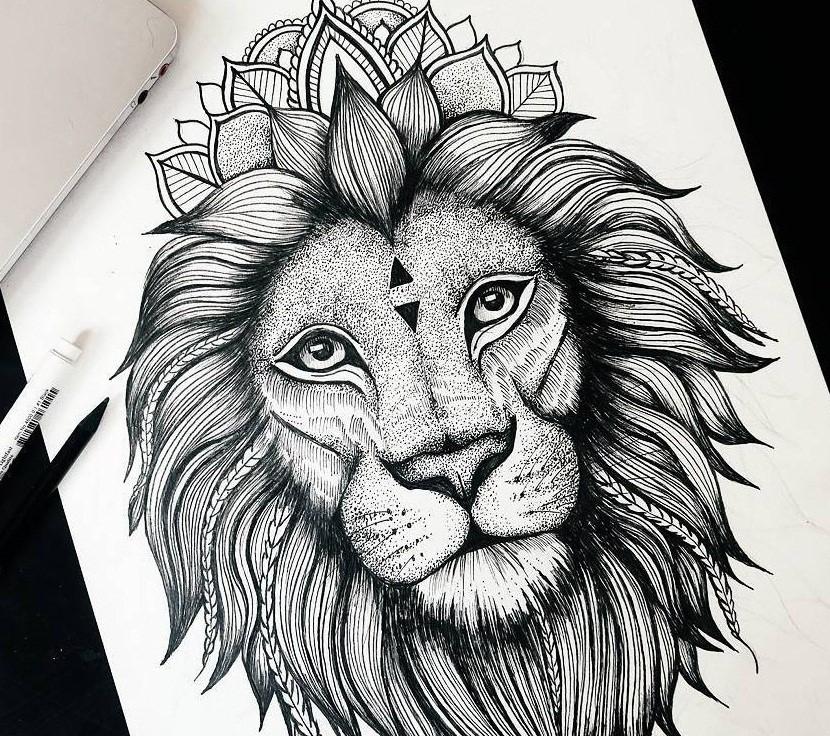 Эскиз тату: львиная голова, украшенная лотосовыми лепестками