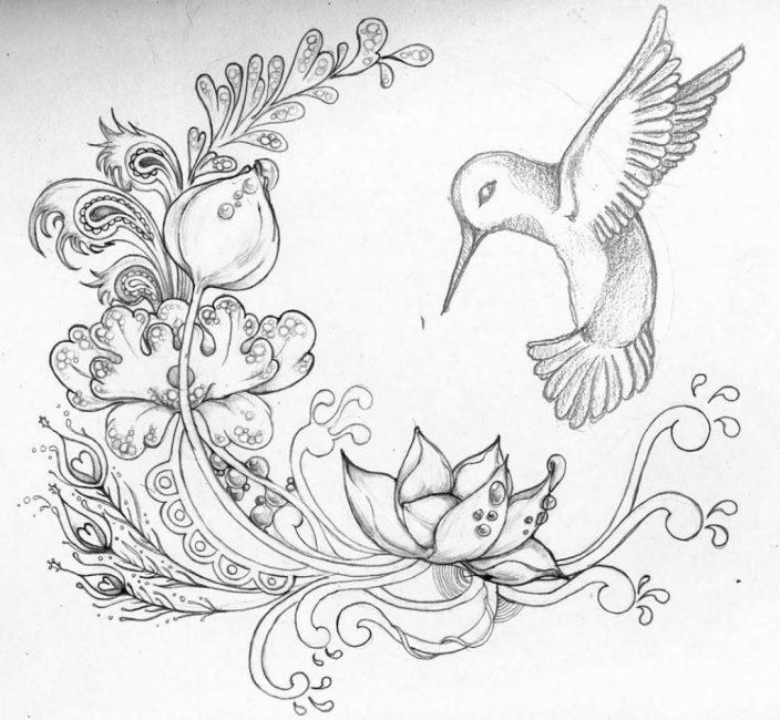 Рисунок для наколки: колибри порхающая над цветущим лотосом