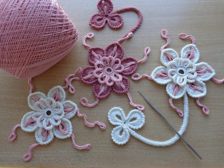 Цветы крючком - нежное украшение любой вещи