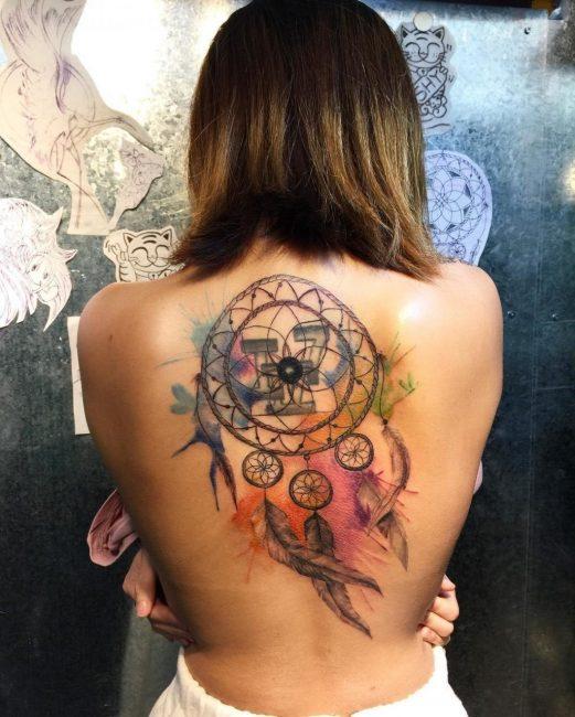 Сила тату не зависит от размера, только от самовнушения носителя и тату-мастера
