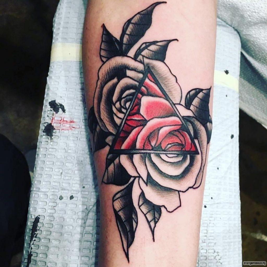 Тату с розой