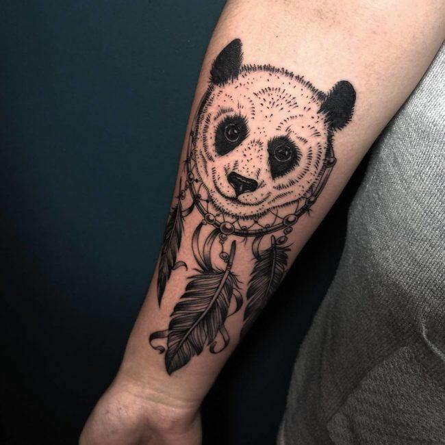 Татуировка с изображением ловца снов с животным пробуждает уверенность в своих силах и сильный дух