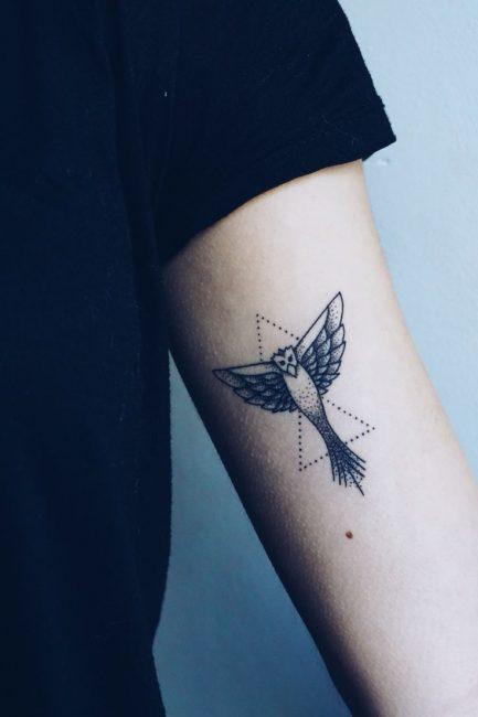 Феникс в стиле минимализм
