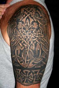 Татуировка с узорами