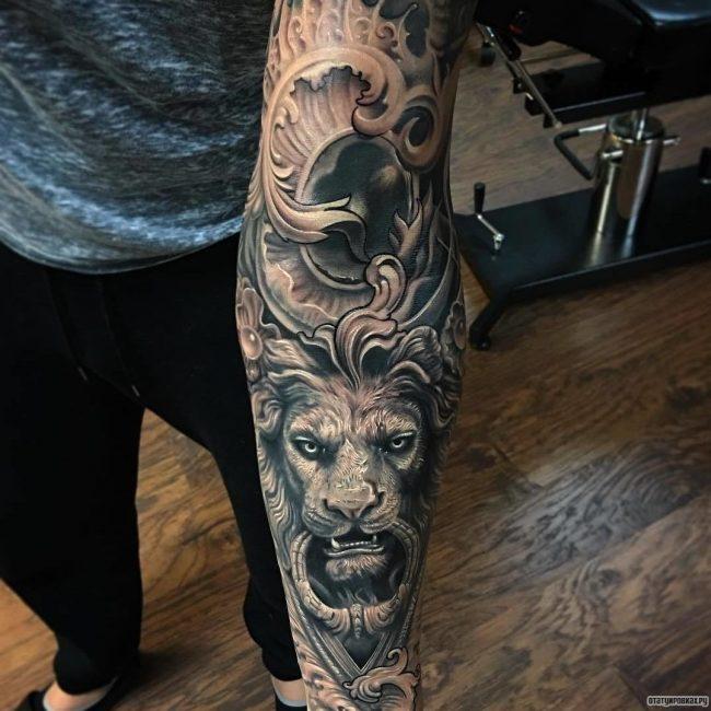 Лев на предплечье