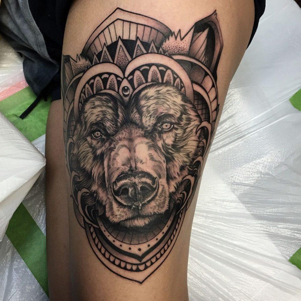 Тату с медведем