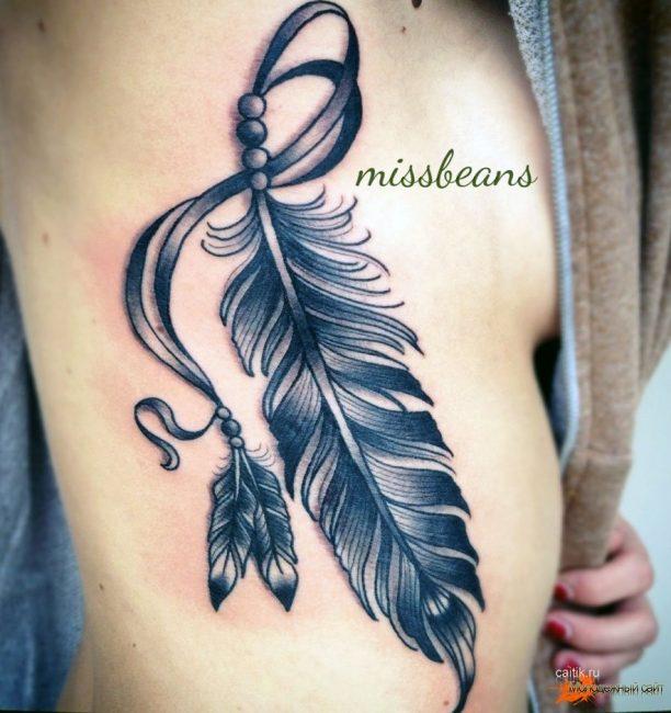 Черно-белая татуировка