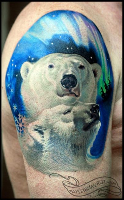 Тату с белым медведем
