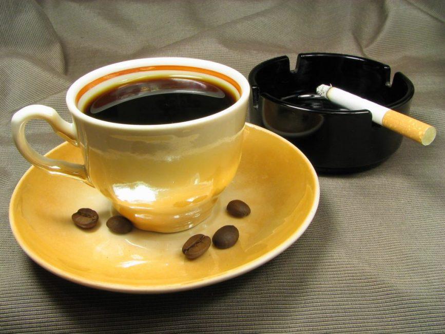 Кофе и курение могут стать причинами судорог