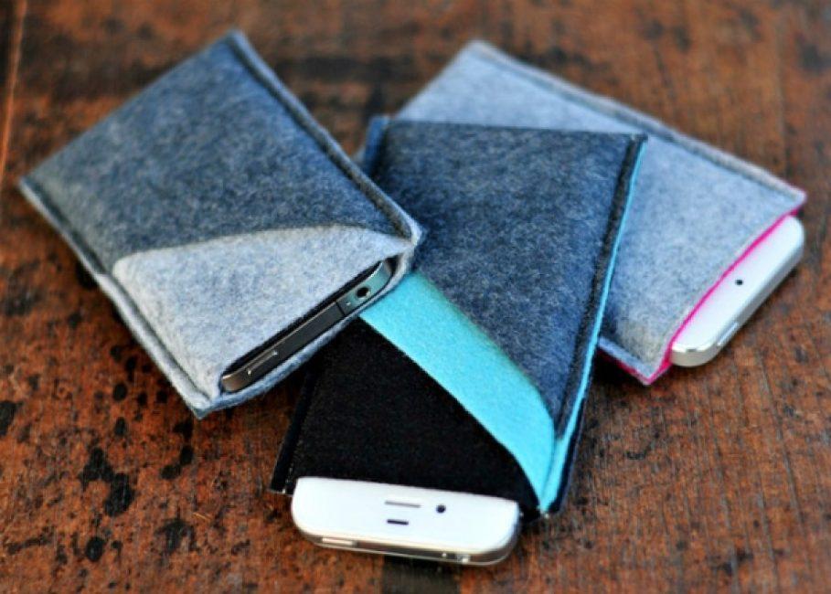 В конце работы у вас получится вот такой или даже лучше чехол для смартфона из войлока.
