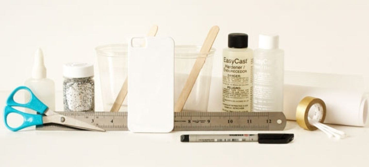 Все необходимые инструменты лучше подготовить заранее, чтобы они всегда были у вас под рукой в процессе работы