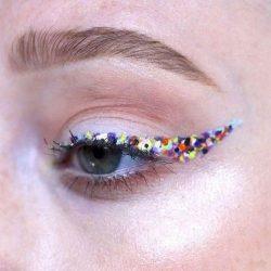 Как нарисовать стрелки на глазах: карандашом, подводкой для начинающих поэтапно + 100 ФОТО