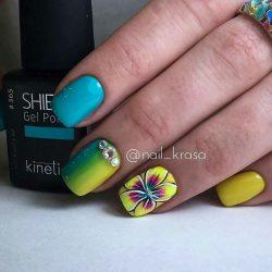 Маникюр с цветами: модные тенденции с желтыми, голубыми, красными цветами + 120 ФОТО