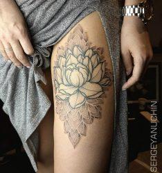 Тату с цветком лотоса: для девушек, на спине, руке, мандала, запястье, ноге, маленький, черно-белый. Значение и эскизы + ФОТО