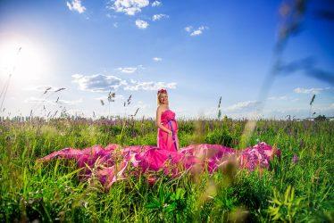 ТОП-20 лучших поз для фотографий: женщинам, девушкам, полным, на улице + 200 ФОТО