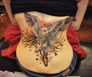 Лучшие эскизы тату на пояснице для девушек, женские со значениями: бабочка, узоры, цветы, животные, розы, крылья, маленькие. Эскизы + 60 ФОТО