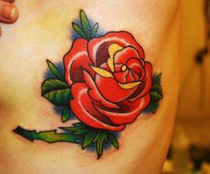 Значения тату с цветами: для девушек, на руке, ноге, бедре, плече, спине, белых, черных, в цвете. Эскизы + 130 ФОТО