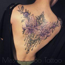 Красивые тату для девушек на спине: надписи, крылья, ангел, сакура, лотос. Значения, эскизы + 120 ФОТО