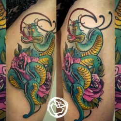 Что обозначает тату со змеей. Для девушек, мужчин, вокруг, на руке, ноге, эскизы + 120 ФОТО